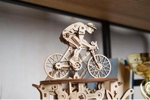 Automaton Cyclist