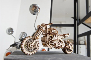 Mechanical model «Scrambler UGR-10 Motor Bike with sidecar»